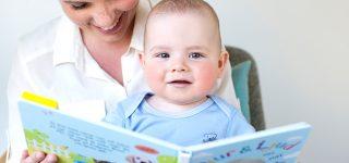 Språkutvecklingen hos 10 månader gamla barn
